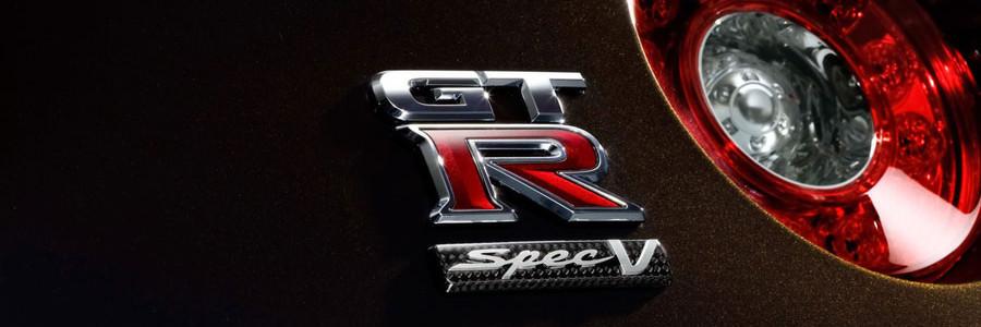 2009-Nissan-GT-R-SpecV-Badging-1280x960