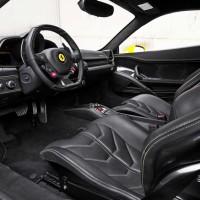 2010-Ferrari-458-Italia-interior