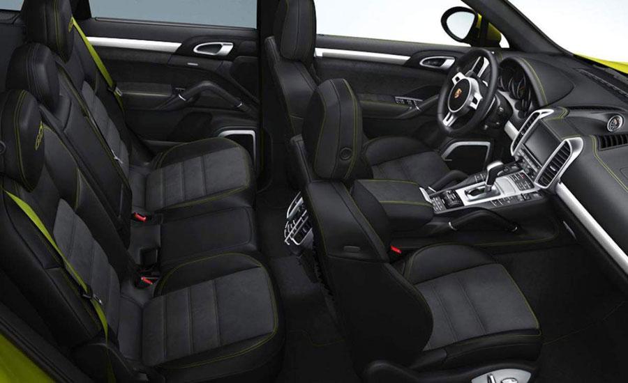 2014-Porsche-Macan-Interior-view