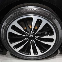 Jean-Bugatti-Veyron-Grand-Sport-Vitesse-wheels